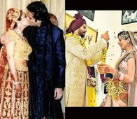 From Saif-Kareena's 'Var Mala' to SRK-Gauri's Dance: Here Are Some Interesting Pictures from Celeb Weddings