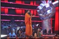Baba Ramdev performs special Bhakti Bhajan on The