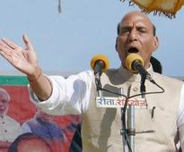 Rajnath accuses Akhilesh of shattering his father's dreams