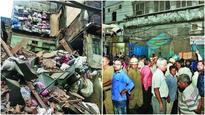Three-storey building collapses in Sadar Bazaar