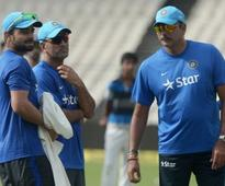 Mahendra Singh Dhoni's childhood coach says wise for him to step down on his own