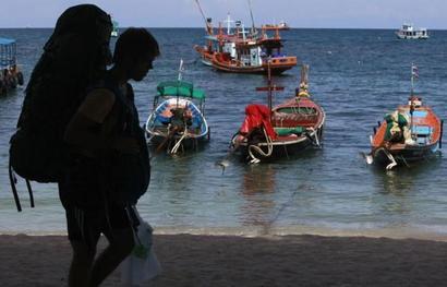 Tour operators seek service tax exemption, e-tourist visas at sea