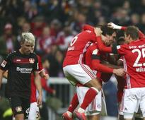 Bundesliga roundup: Bayern Munich notch win; two-goal Vedad Ibisevic sent off as Hertha Berlin go third