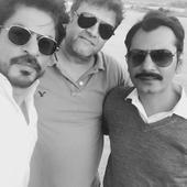 Why is Shah Rukh Khan thanking his Raees co star Nawazuddin Siddiqui?