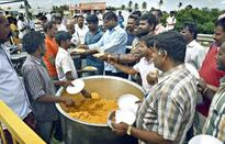 Food, the uniting factor at border