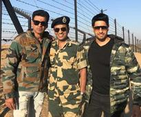 Team `Aiyaary` live the lives of Jawans on their Jaisalmer visit