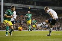 Kane in tune as Tottenham down Norwich