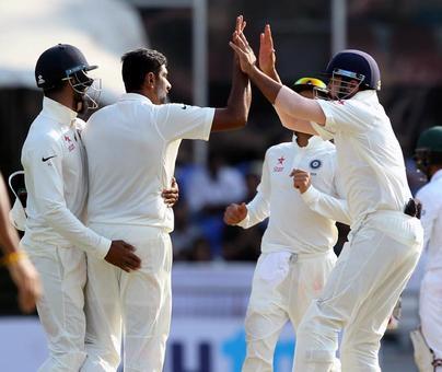 India set for big win after Bangladesh lose early wickets