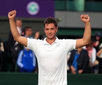 Marcus Willis must believe he can beat Roger Federer - Tim Henman