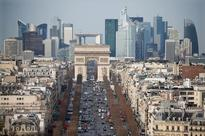 En garde!: Paris bankers brace for restless night of French election