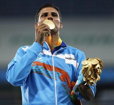 Paralympian Jhajharia, Sardar Singh recommended for Khel Ratna