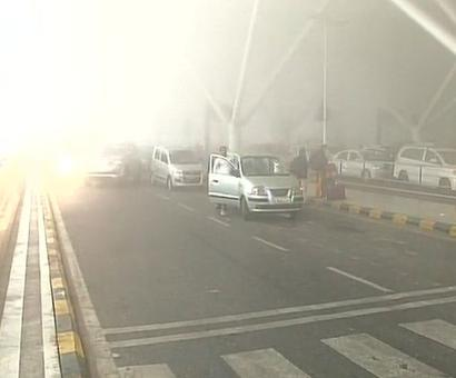 Dense fog in North India hits air, rail traffic; causes road accidents
