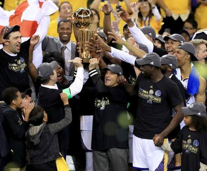 Warriors beat Cavaliers to clinch NBA title