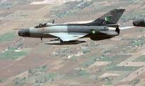 Pilot dies as Pakistan air  force fighter jet crashes
