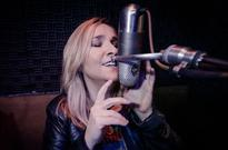 Billboard 200 Chart Moves: Melissa Etheridge Earns 14th Top 40 Album