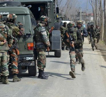 2 Lashkar terrorists, civilian killed in Pulwama encounter