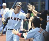 Jones HRs, Utsumi arm carry Giants