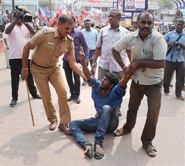 Cauvery issue: Rail roko protests rock Tamil Nadu