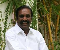 Vairamuthu bats for freedom of speech; backs MT