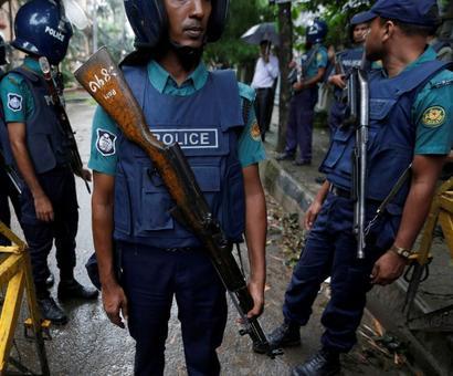 Bangladesh: 2 dead, 28 injured as commandos storm terrorists' den