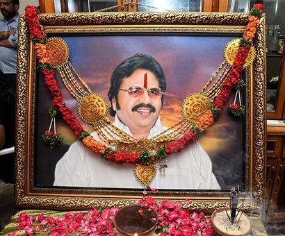 PIX: Venkatesh, Mohan Babu pay homage to Dasari Narayan Rao