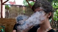 US town considers banning smoking in apartments