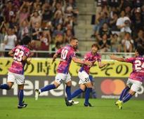 Lukas Podolski scores twice on J-League debut as Vissel Kobe beat Omiya Ardija