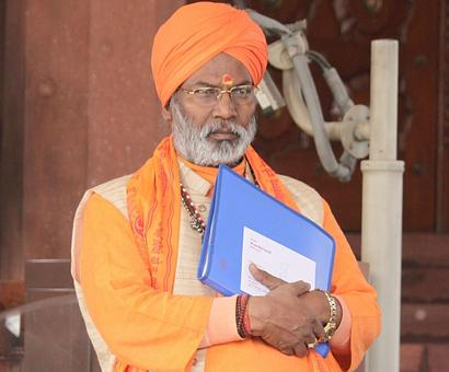 Gorakhpur deaths: Sakshi Maharaj claims oxygen was cut off