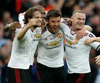 Lingard rocket brings Man United FA Cup cheer