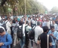 Kolkata: Journalists take out march, gift flowers to police for assaulting them on Monday