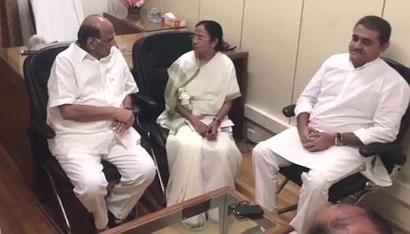 Didi in Delhi meets Kanimozhi, Pawar; Sonia likely tomorrow