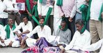 Cauvery row: Farmers, troops back on streets