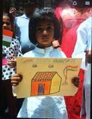 Sector 107 kids sit down to draw pictures on the theme Ghar Dilwado Akhileshji