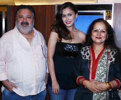 PIX: Hrishitaa Bhatt, Himani Shivpuri mingle at a screening