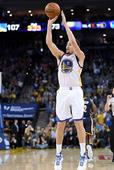 NBA: Klay Thompson of the Golden State Warriors Erupts with 60 Points in 29 Minutes of Action