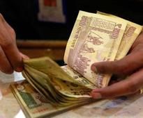 7th Pay Commission report: Basic pay hike of 8 pct, 20 pct, or more, babus on tenterhooks