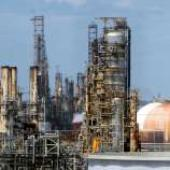 Officials to announce arrest in Beaumont refinery bomb threat