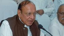 SUV chases Shankersinh Vaghela's vehicle, nearly hits it