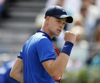 Kyle Edmund makes second round in Nottingham