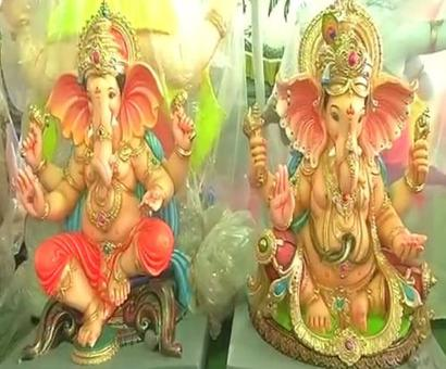 If you can't go to Lalbaugcha Raja, he will come to you