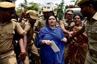 Jaya's niece denied entry into Poes Garden home, blames brother