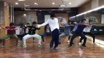 Tiger Shroff packs the iconic moves of Michael Jackson in less than a minute, Watch video!