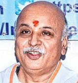 Togadia lauds Modi govt of 'cow bhakts'