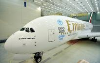 It Takes 34 People 6,000 Hours And 15 Days To Paint The World's Largest Aircraft - The Airbus A380