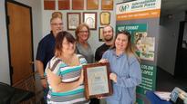 Farmington Hills, MI Couple Celebrates 20 Years in Business with Minuteman Press International