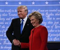 Op-Ed: Donald Trump loses debate, beaten badly by Clinton and himself