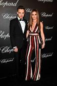 Carolers, caterers and chihuahuas: Pregnant Cheryl plans elaborate Christmas at home...