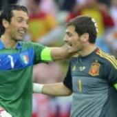 Iker Casillas Oo Ku Soo Darsaday Gianluigi Buffon Liiskiisa Shanta Goolhaye Ee Ugu Fiicnaa Abid.