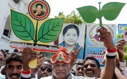 Setback for Sasikala, EPS-OPS faction gets AIADMK's 'two leaves' symbol