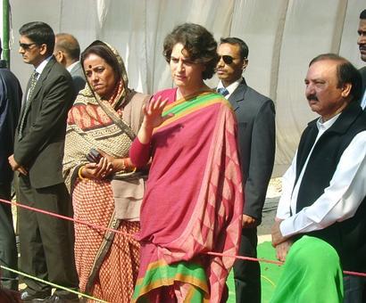 SP eyes Priyanka's campaign in Rae Bareli